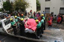 490 kg sverianti moteris į ligoninę išvežta išgriovus namo sieną