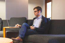 Ekspertė: CV be darbo patirties siunčia tėvų išlaikytiniai