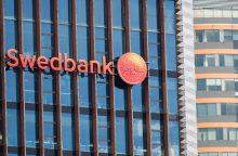 """""""Swedbank"""" skandalas: Latvijos filialas 2016 m. uždarė apie 500 įtartinų sąskaitų"""