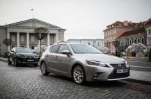 Hibridinių automobilių pardavimai sparčiai auga