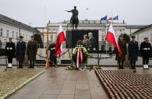 Lenkijoje tęsiama Smolensko katastrofos aukų ekshumacija