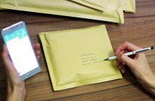 Popierinius pašto pranešimus sparčiai keičia SMS žinutės