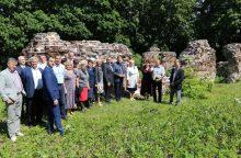Lapių seniūnijos problemos: didžiulė plėtra ir sodai