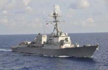 Maskva: JAV eskadrinis minininkas pavojingai arti priartėjo prie Rusijos karo laivo