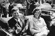 Londone aukcione parduoti J. Kennedy intymūs laiškai britų diplomatui