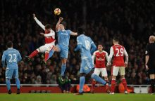 """Arsenal"" užkopė į viršūnę, o ""Manchester City"" patyrė šaltą dušą Lesteryje"