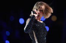 T. Swift nustebino gerbėjus savo nauja daina su Zaynu