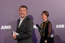 Milijardierius A. Babišas tvirtai pirmauja Čekijos parlamento rinkimuose