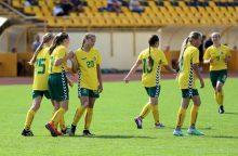 Naujai suburta Lietuvos 15-mečių merginų futbolo rinktinė išbandys jėgas su Rusija