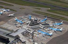 Amsterdamo Schipholio oro uoste dėl stiprių vėjų atšaukiami skrydžiai
