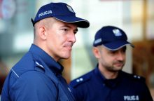 Varšuvoje sulaikytas į prezidentūros užtvarą atsitrenkusio automobilio vairuotojas