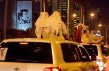 Saudo Arabijos karalius panaikino draudimą moterims vairuoti