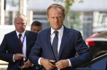 D. Tuskas ragina Th. May pateikti naujų konkrečių pasiūlymų
