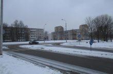 Šeštadienį eismo sąlygas sunkina sniegas