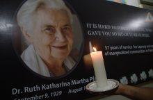 """Karačyje palaidota Pakistano """"motina Teresė"""""""