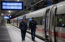 Vokietijoje dėl audros stabdomas traukinių eismas