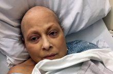 Milijardinė žala: vėžiu susirgusios moterys kaltina farmacijos milžinės produktus