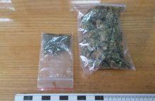 Su narkotikais įkliuvo trys jonaviškiai