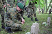 Kaune pagerbti žuvę vokiečių karininkai