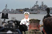 Po susidūrimo su tanklaiviu JAV minininke rasta jūreivių palaikų