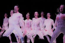"""""""Devilstone"""" menai ir įdomybės: nuo Joan Cornella iki kūno spektaklių"""