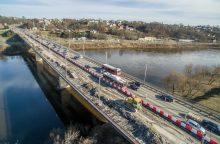 Varnių tilto kapitalinis remontas įsibėgėja